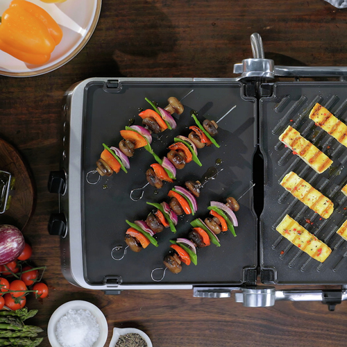 the BBQ and Press grill in Brushed Stainless Steel with reversible ceramic and griddle plates