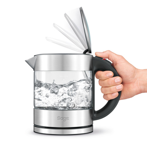 the Compact Kettle™ Pure Thee in Zilver ergonomische handgreep