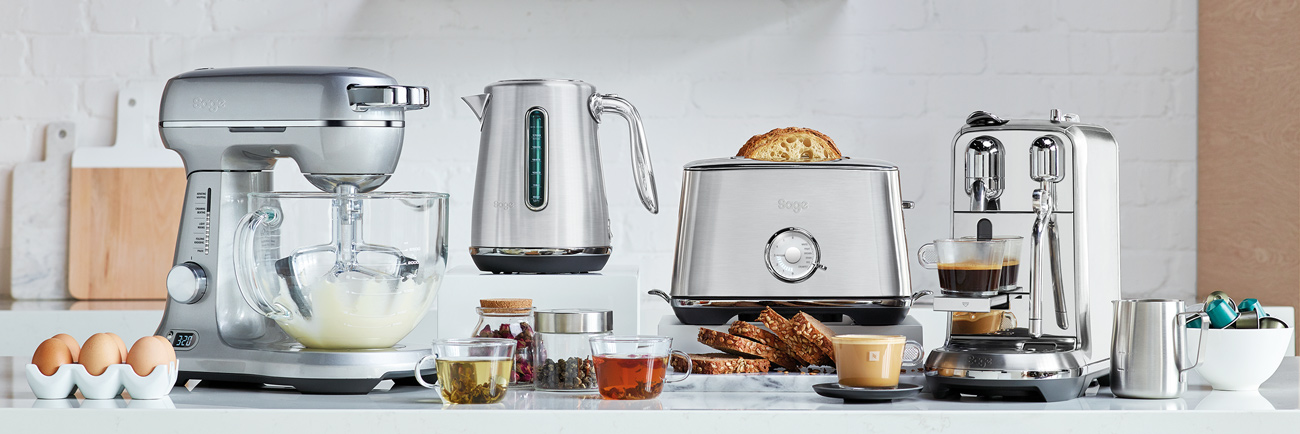 the Toast Select™ Luxe Toasters in Brushed Stainless Steel