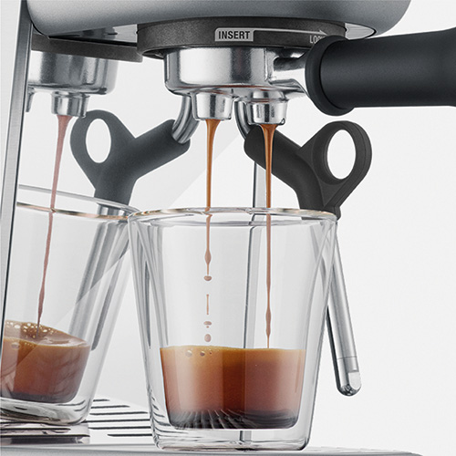 the Bambino® Plus Espresso in Brushed Stainless Steel precise espresso extraction