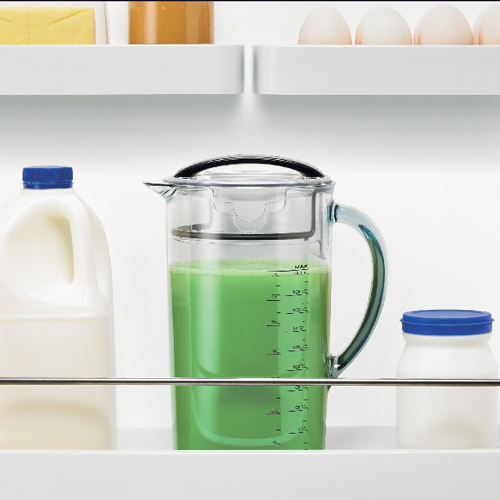 the Nutri Juicer® Cold Juicers in Silver seal and store juice jug